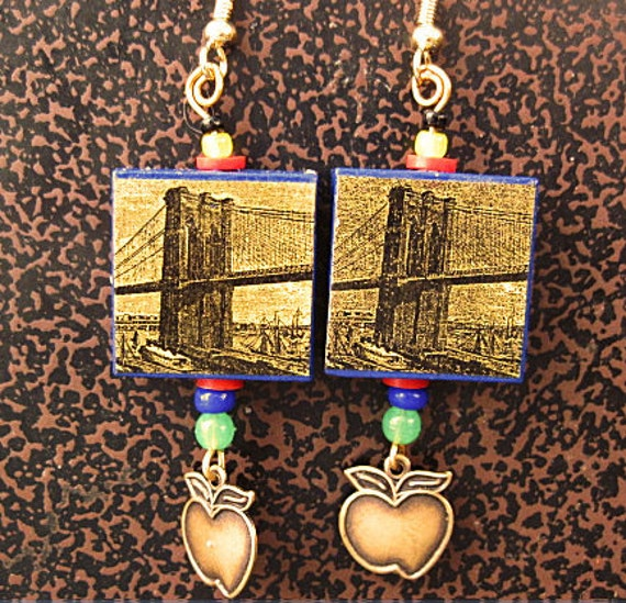 Brooklyn Bridge Earrings with Apple Charm