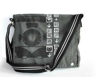 SHINKANSEN Bullet Train Pictogram Canvas Messenger Bag (Black)
