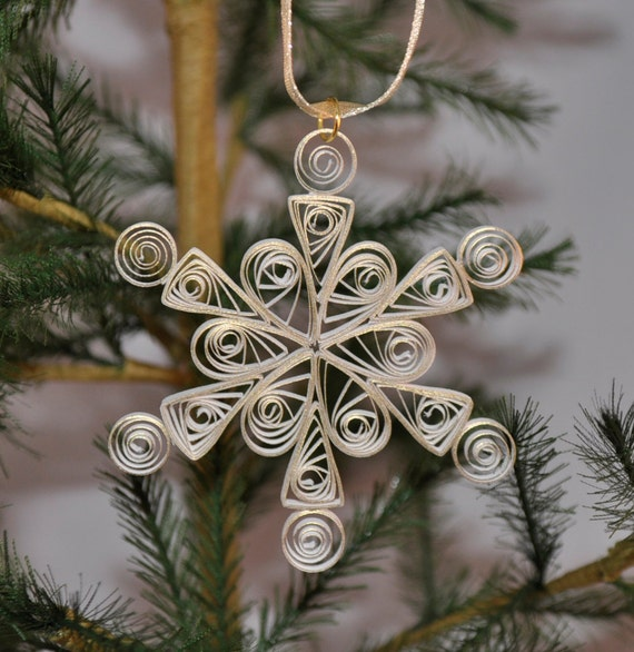 Paper Quilled White and Gold Paper Single Quilled Snowflake Ornament
