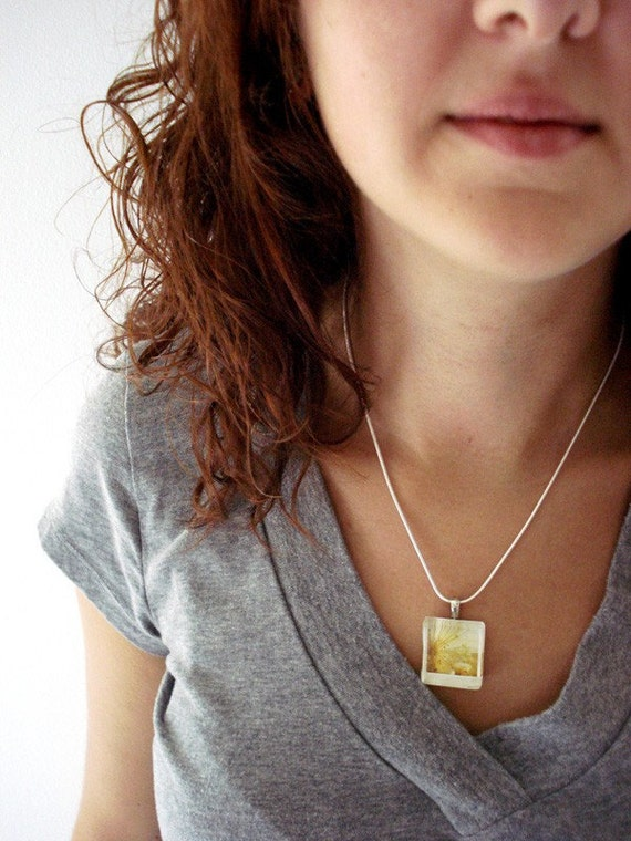 CLEARANCE - Glass Polaroid Necklace - Onion Bloom