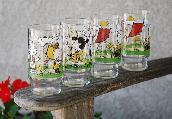 Vintage Peanuts Charlie Brown Drinking Glass Set Tumbler  Charles Schulz