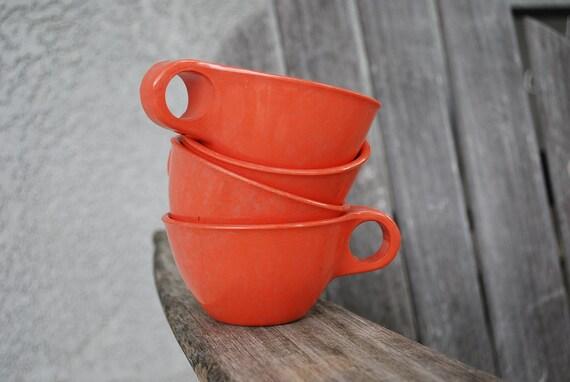 Vintage Set of 4  Russel Wright Residential Melamine Melmac Cups