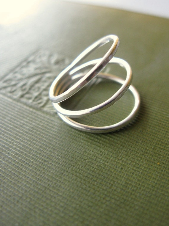 Triple Ampyx - delicate hammered silver ring