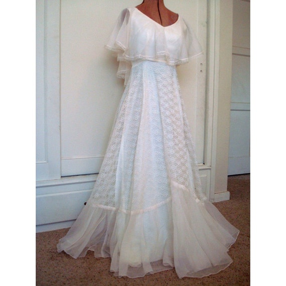 Sale Lovely Vintage Wedding Dress In 1970 Style Small