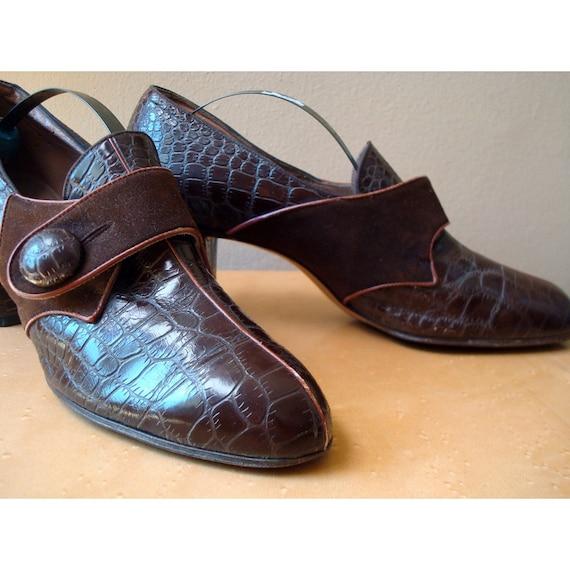 Vintage Faux Crocodile Skin  Pumps - Size 7aa - By Nisley Flex Ray