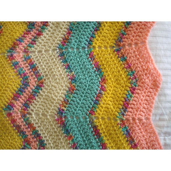 Crochet Patterns Lap Blankets : ... Crochet Afghan Lap Blanket - Medium Size - Pastel Chevron Pattern