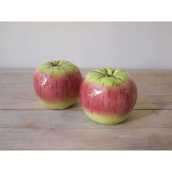 Charming Apple - Vintage Salt and Pepper Shakers Red Pink and Green Hand Painted