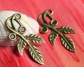 Closeout Antique brass leaf drop 35x16mm, 8 pcs (item ID ABLD35x16)