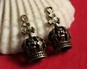 Closeout Antique brass crown charm 17x8x8mm, 18 pcs (item ID YDCRW3D)