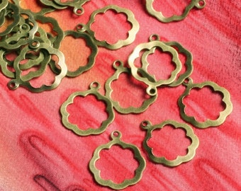 124 pcs Antique brass dangle flower 12mm (item ID B-ABDF7)