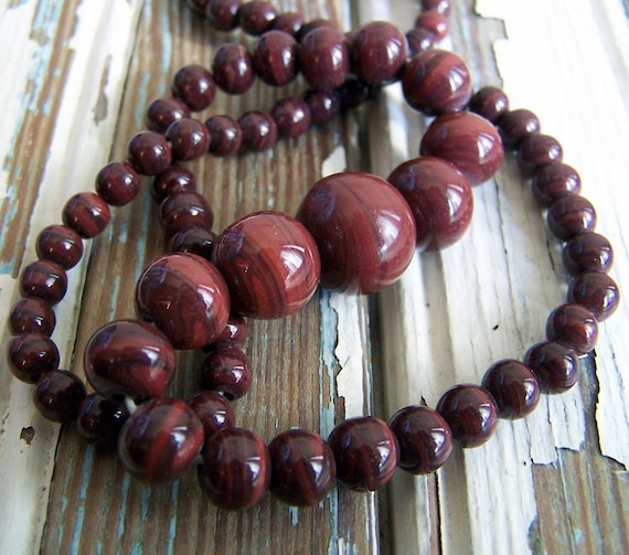 Vintage Graduated Glass Beads- brownish red, one strand