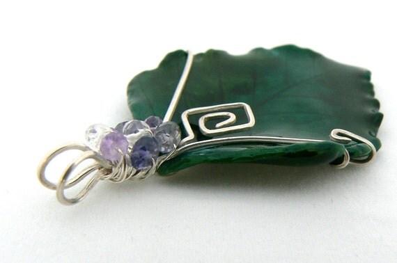 birch leaf pendant w gemstone cluster