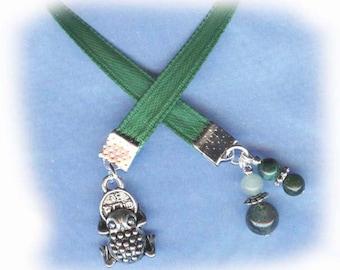 Money Toad Jeweled Silver Paperback Bookmark Green Ribbon BM-PwcSy61