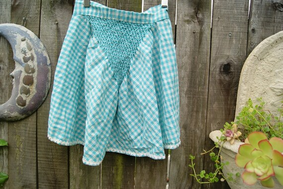 Vintage Bright Blue and White Gingham Apron . Seersucker and Ric Rac Ness