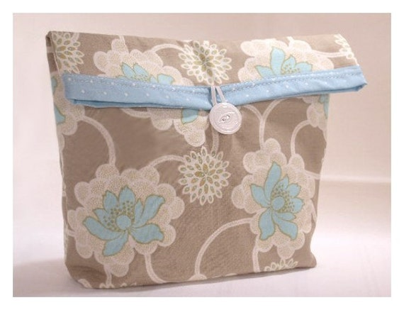 Amy Bulter Clematis Handmade Dot Large Pouch Clutch Flat Bottom Padded Kindle Make Up Travel Gadget Bag