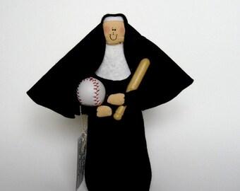 Nun doll Sister doll baseball player/fan Sister Runnata