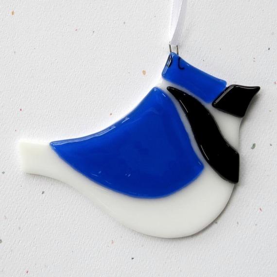 055 - Blue Jay, ornament, bird, white, blue, Christmas, suncatcher, decoration, cgg, EtsyLush, Florence Niven, fused glass