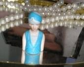 AVON PORCELAIN 1927 FASHION LADY THIMBLE - COLLECTIBLE