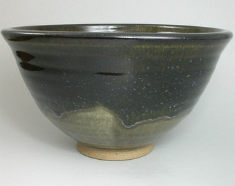 Stoneware pottery Serving bowl