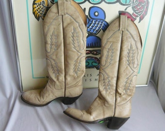 Vintage Womes Handcrafted Leather Cowboy Boots / size 6 B Eu 36 UK 3 .5 / SANDERS Western Distressed Cowgirl  Rockabilly Ivory