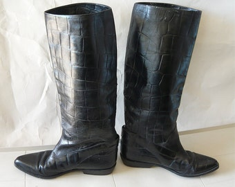 Vintage Flat Knee Boots Made in ITALY Black Leather size 8 N Eu 38 .5 UK 5 .5  Ankle HARNESS Narrow Width Croc Embossed