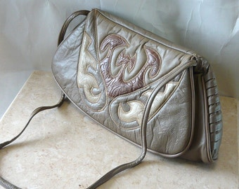 LONG 80s Quilted Leather Shoulder Bag ENVELOPE Clutch Handbag Cross Body Purse USA Top Handle Taupe Tan