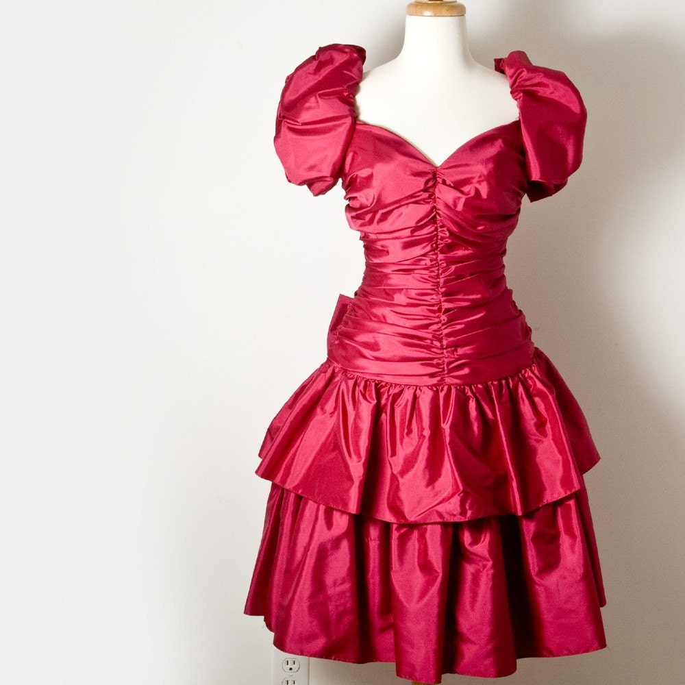80s or 90s style prom dress? - BabyCenter