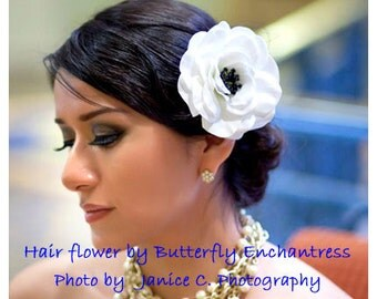 Cream-White Sophia Anemone Bridal Hair Flower Clip