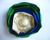 palette petals (green royal blue ivory)