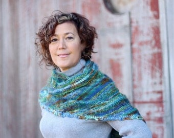 Wrap Me Up Buttercup, Triangle Version, Knitting Pattern, Using 'Biggie' hand dyed Yarn
