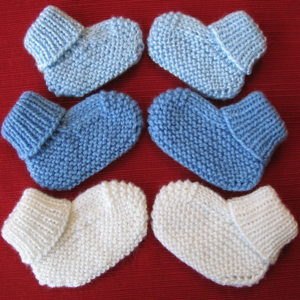 Knitting Circle Loom Patterns : Cozy Baby Booties knitting pattern with free offer for