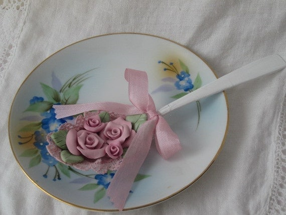 Shabby Cottage Chic White Tablespoon SPOON Display with PINK Clay Roses ECS cst