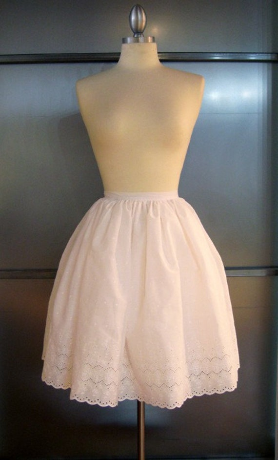 Pretty Pouffy Petticoat (custom sized)