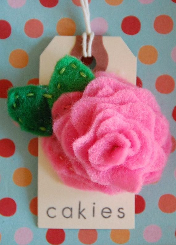 Rosy Posy Frosting Hair Clip in Brave Bubblegum Pink