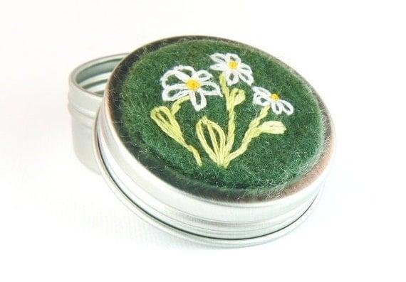 Stitch Marker Tin (EMPTY)- Daisies