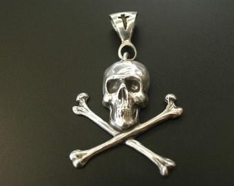 Skull and Crossbones Pendant in White or Gold Bronze
