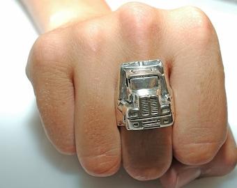 Mutha Trucker Ring in White or Gold Bronze