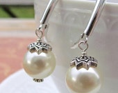 Cream Pearl Wedding Earrings. Sterling Silver . Vintage Style classic Pearl Bridal and bridesmaids. Dangle earrings