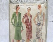 1920s McCall Pattern - Flapper Dresses - 5690 - Size 16