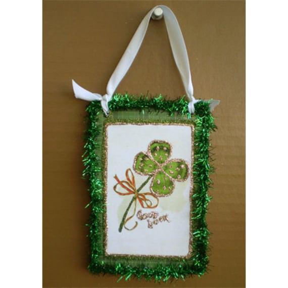 St Patricks Day Ornament Celtic Irish pride shamrock clover wall plaque Spring one decor good luck charm