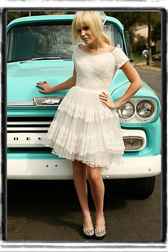 Vintage  White WEDDING DRESS  Short 1950s LACE  Tulle  Retro  DIY