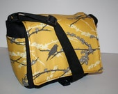 Boxy CAMERA Bag / Dslr camera Case / 4 Lens Purse / Lots of pockets / Women's /  yellow bird sparrow Foam Padding