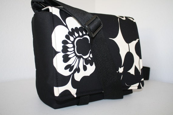 XcessRize Designs CAMERA Bag Xtra pkts 2 sofia SM/MD