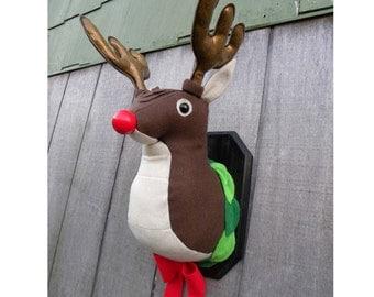 Mounted Deer head - Plush - Humor - Kitcsh - Housewares