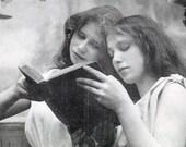 vintage photo Carte Postale Women Read Book postcard France 1903