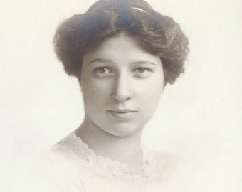 Teen Young pretty Girl Class photo 1907