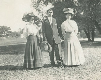 vintage photo 1910 2 WOmen and Man Big Hats GOlf COurse Lawn photograph