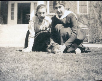 vintage photo 2 Girls w CAt in Grass