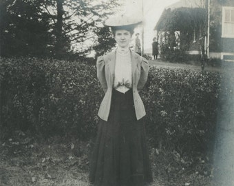 vintage photo 1905 A Proper Lady