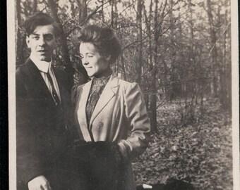 vintage photo Young Couple Man Takes Photo w tripwire 1918